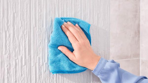 EXXCLUSIV Toilettenpapierhalter m. Ablage, inkl. Klebelösung